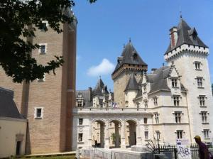 Chateau Pau2